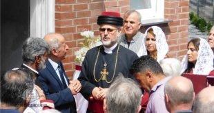 نيافة الأسقف مار عبديشوع أوراهام يفتتح بناءا جديدا لكنيسة المشرق الآشورية في المانيا